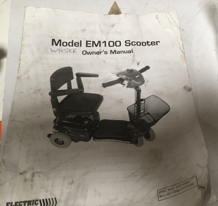 Used Owners Manual For A Electric Mobility EM100 Mobility Scooter U404